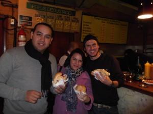 Entrepans y Cava, la mejor forma de disfrutar de este clásico lugar de Barcelona.